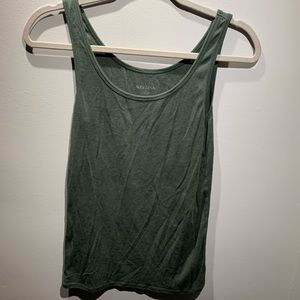 Army green tank top large